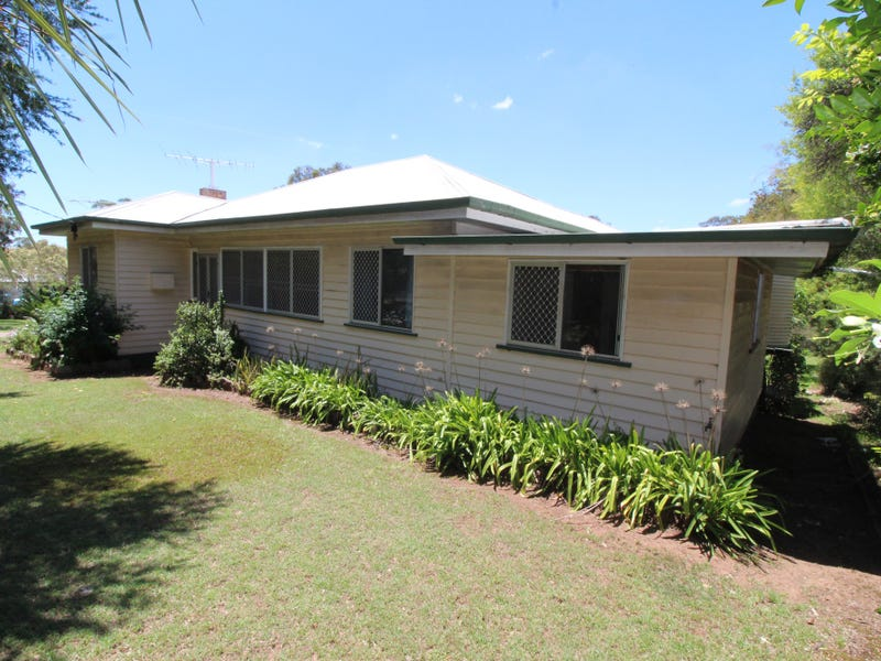 2 Andrews Road, Crows Nest, Qld 4355