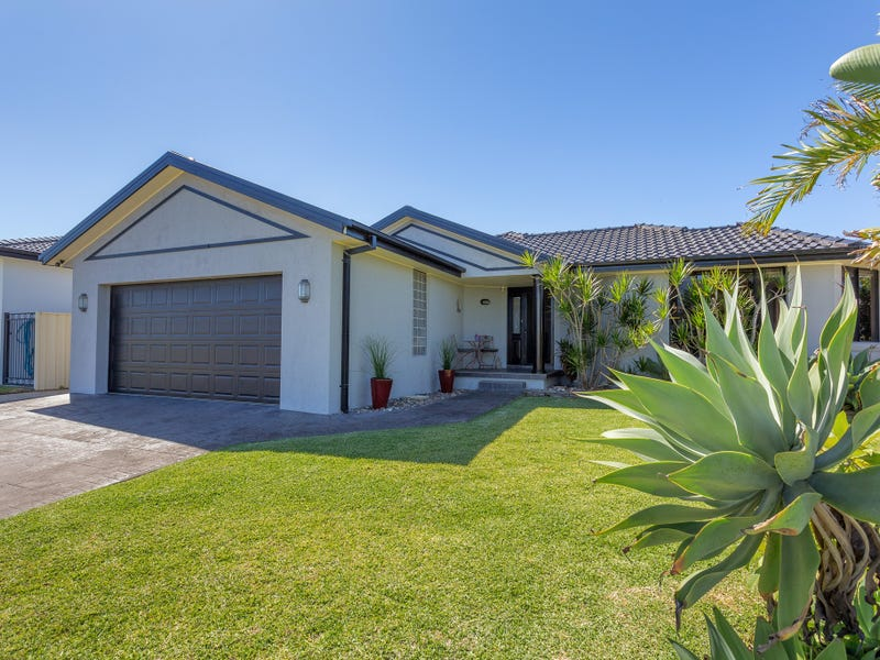 13 Shantull Drive, Wallabi Point, NSW 2430
