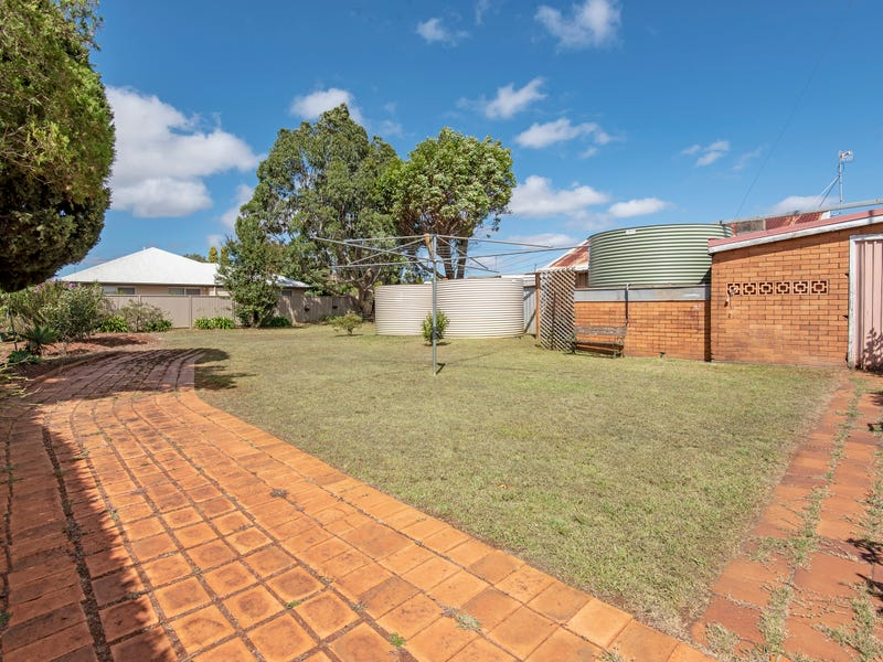 16 Phyllis Street, Harristown, Qld 4350