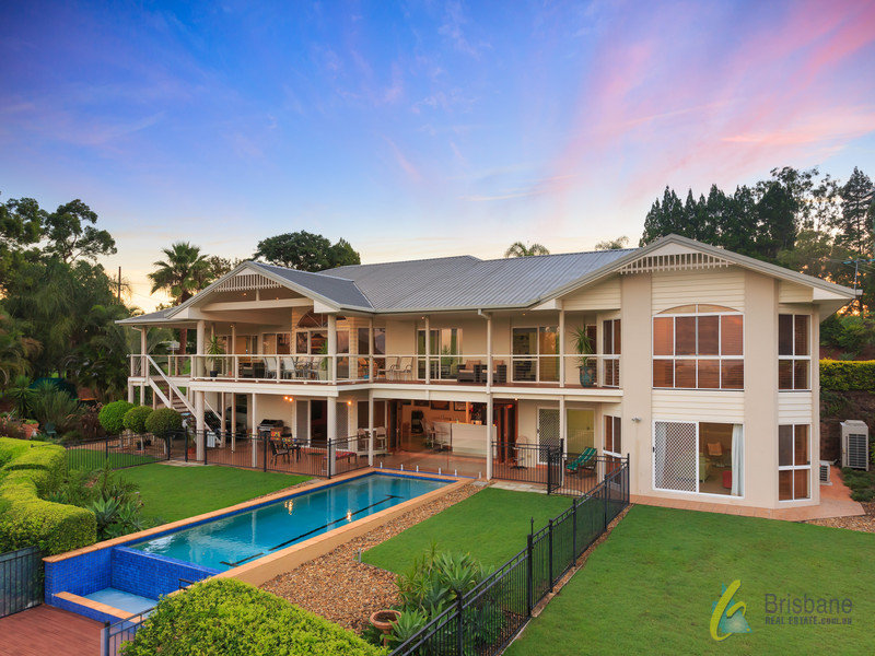 26 Westridge Street, Brookfield, Qld 4069