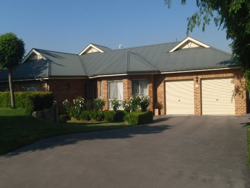 9 Hassall Grove, Kelso, NSW 2795