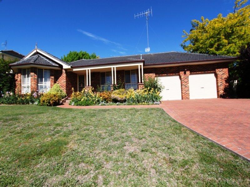 8 Cedar Drive, Bathurst, NSW 2795