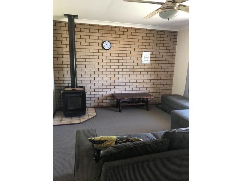 32 Jackson St, Waroona, WA 6215