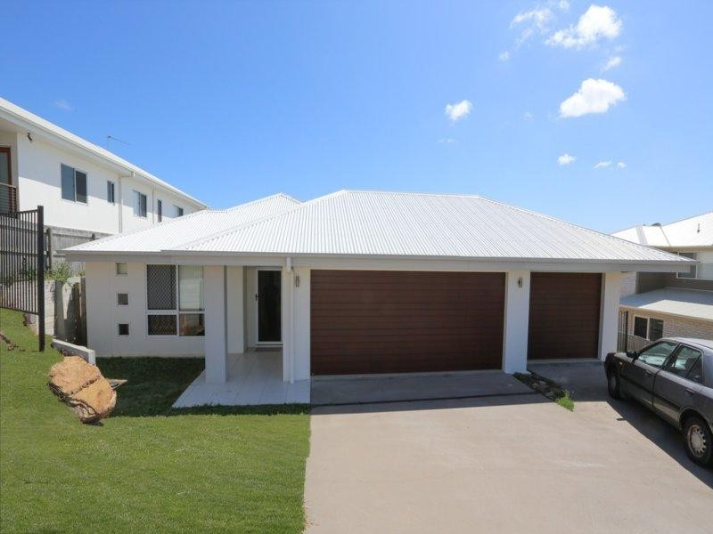 4 Carnarvon Parade, New Auckland, Qld 4680