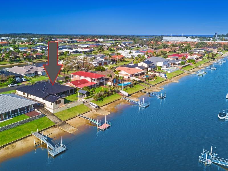 20 Laguna Place, Port Macquarie, NSW 2444