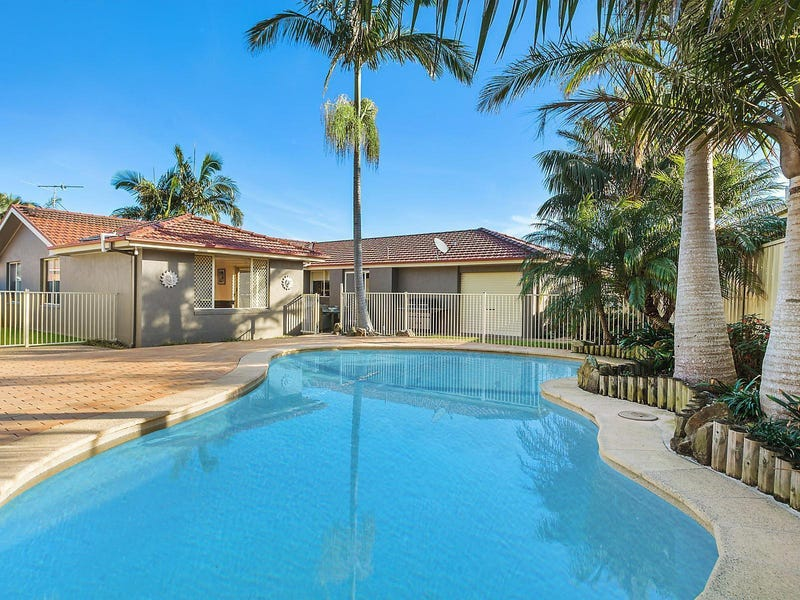 6 Caves Court, Caves Beach, NSW 2281