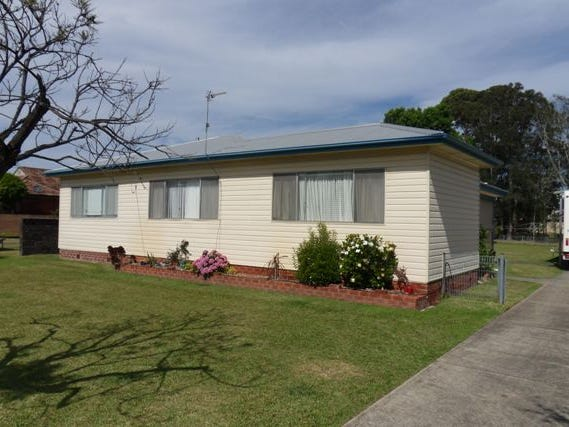 23 WUNDA AVE, Sussex Inlet, NSW 2540