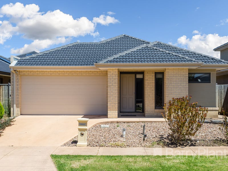 22 Maritime Circuit, Sanctuary Lakes, Vic 3030