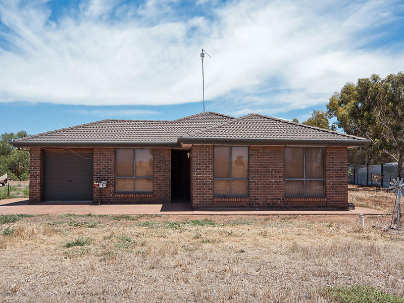 70 Hall Road, Redbanks, SA 5502