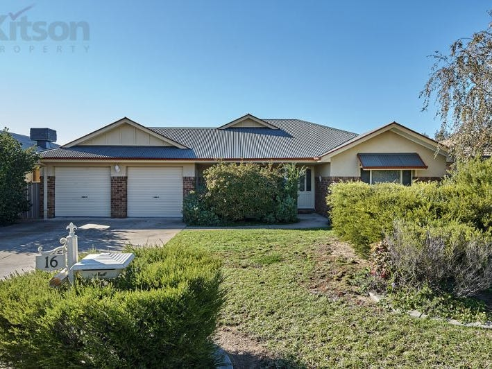 16 Woomera Place, Glenfield Park, NSW 2650
