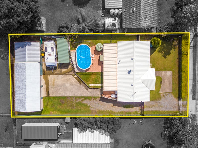 4 GROVE RD, Holmview, Qld 4207