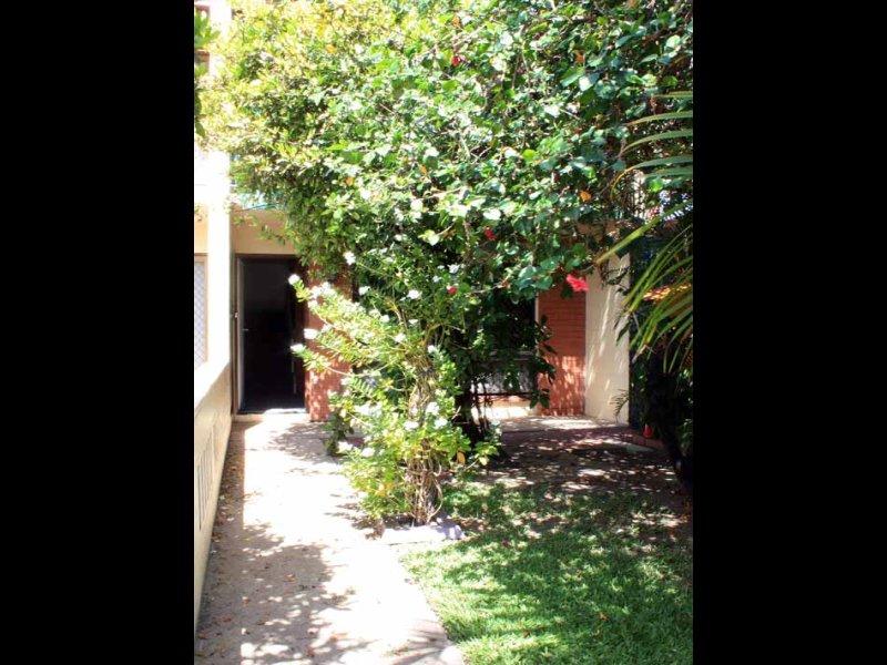 2/95 Hugh Street, West End, Townsville City, Qld 4810