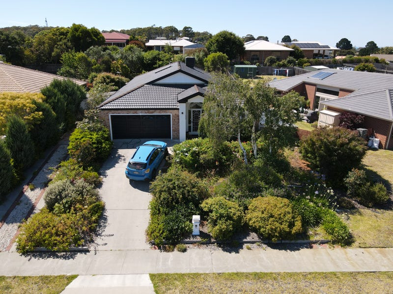 84 Stirling Dr, Lakes Entrance, Vic 3909