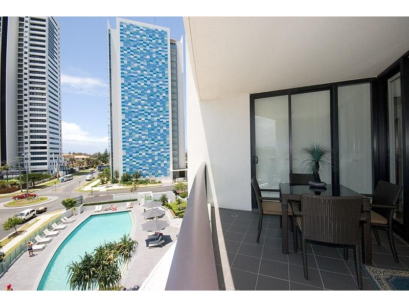 502/22 Surf Parade, Broadbeach, Qld 4218