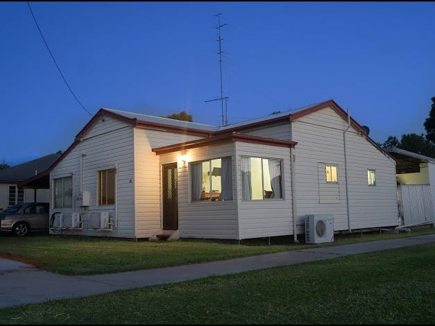 38  McNulty Ave, Miles