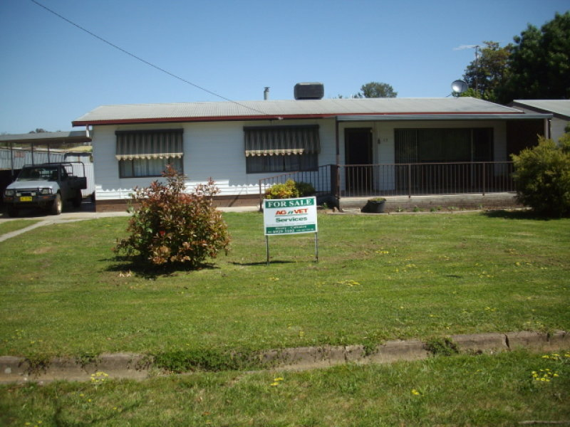 17 Day St, Henty, NSW 2658