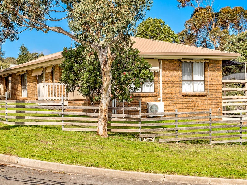 114 CANTERBURY ROAD, Victor Harbor, SA 5211