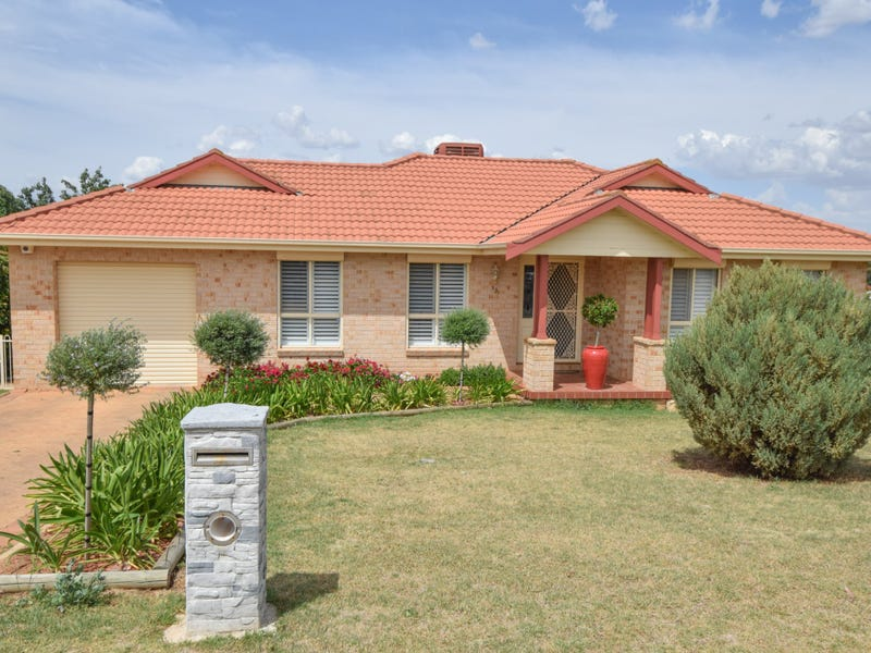 93 Fontenoy Street, Young, NSW 2594