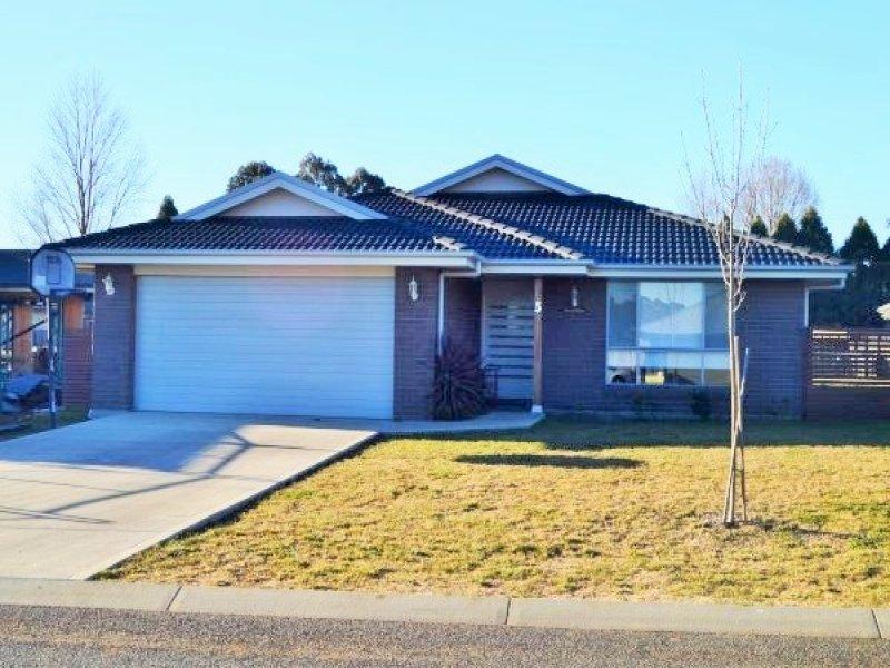 5 Claret Ash Drive, Guyra, NSW 2365
