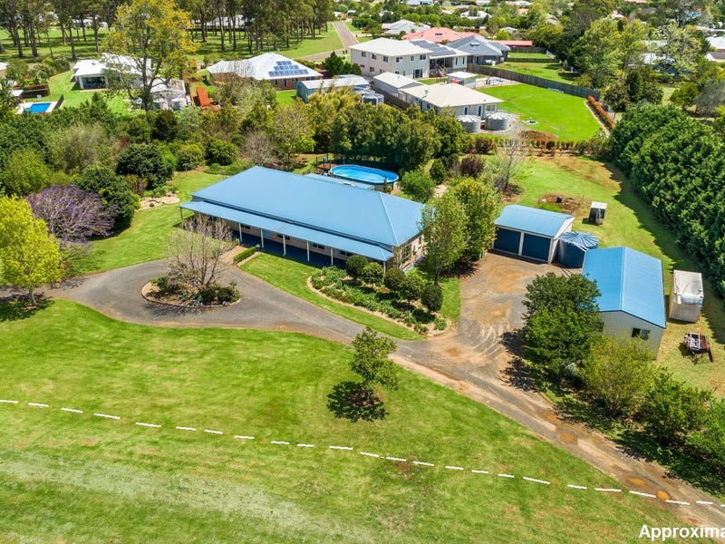 9 Bernard Court, Highfields, Qld 4352