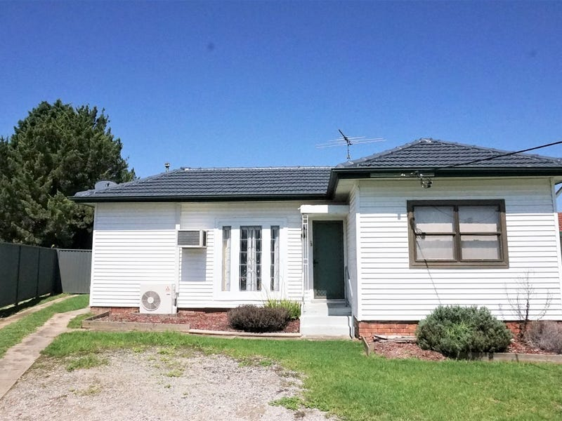 3 Alam Place, Campbelltown, NSW 2560