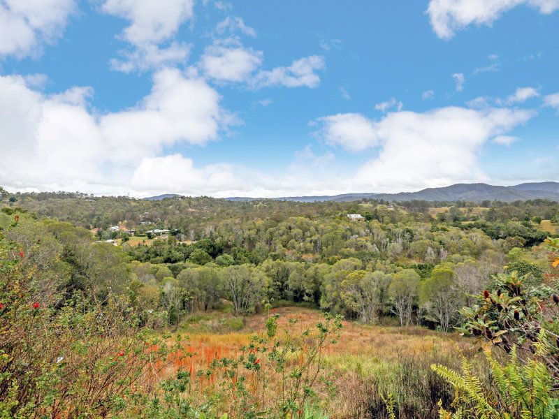 6 Logan Court, Clear Mountain, Qld 4500