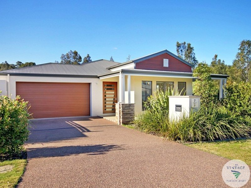 7 Angophora Drive, Rothbury, NSW 2320