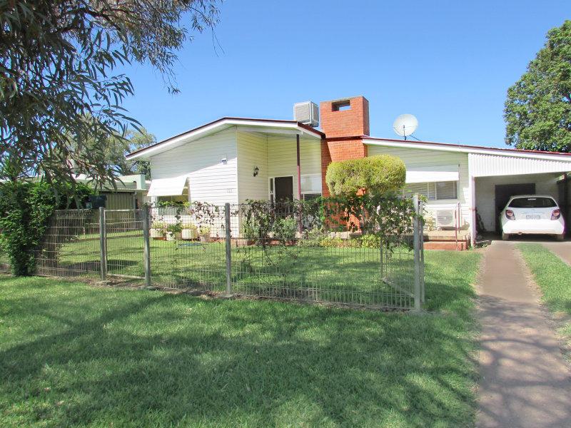 133 Bathurst St, Brewarrina, NSW 2839