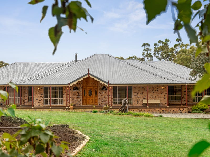 14 Staunton Place, Googong, NSW 2620