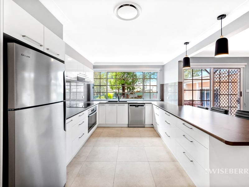 11 Resthaven Avenue, Charmhaven, NSW 2263