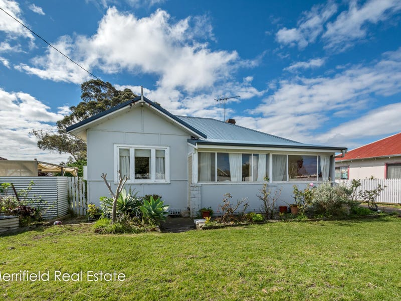 92 South Coast Highway, Orana, WA 6330
