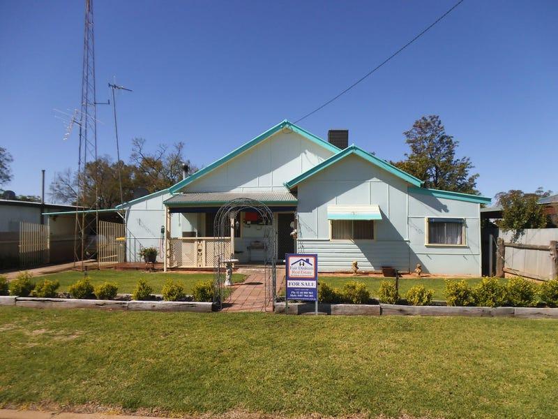 4 Poincaire Street, Trangie, NSW 2823