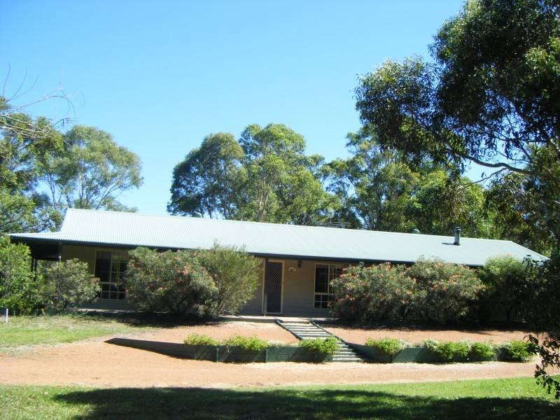 11 Salt Ash, Av, Salt Ash, NSW 2318
