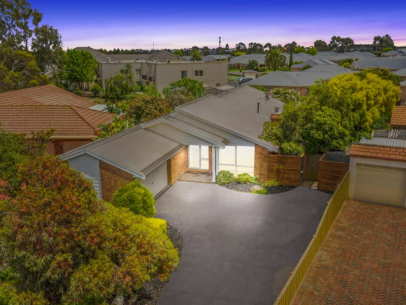 22 Nerida Court, Taylors Lakes, Vic 3038