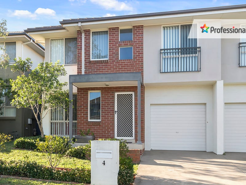 4 Northampton Drive, Glenfield, NSW 2167