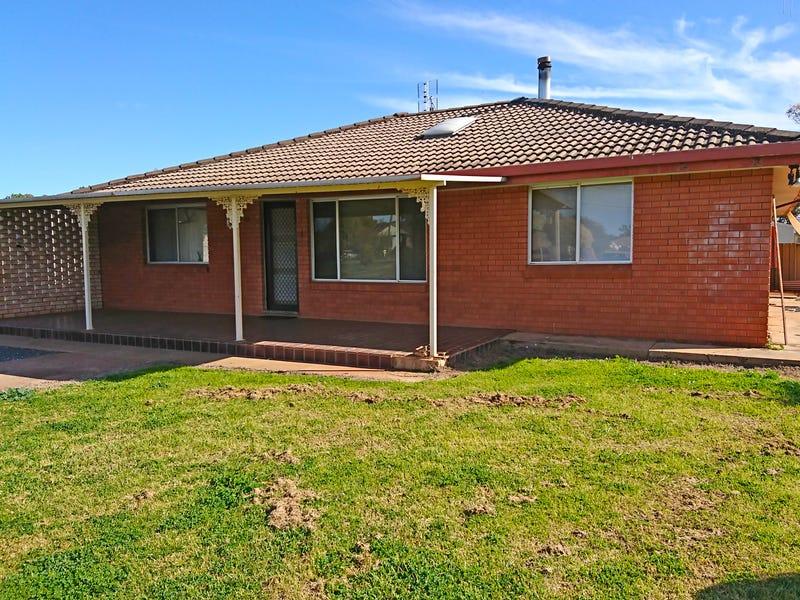 12 West Street, Trundle, NSW 2875