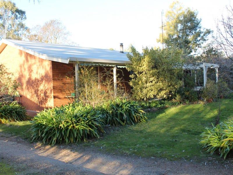 40 Ross Street, Heathcote, Vic 3523