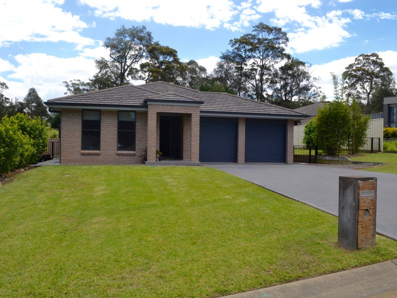 11 Tasman Park Close, St Georges Basin, NSW 2540