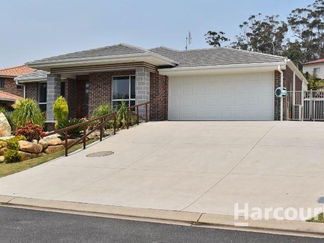 8 Trevor Judd Avenue, South West Rocks, NSW 2431