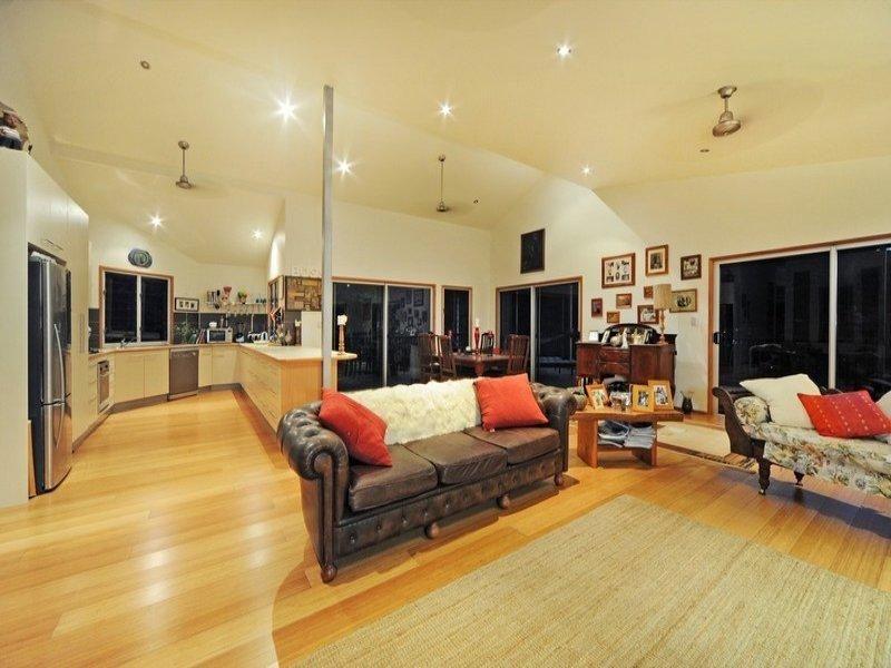 32 Kingfisher Terrace, Jubilee Pocket, Qld 4802