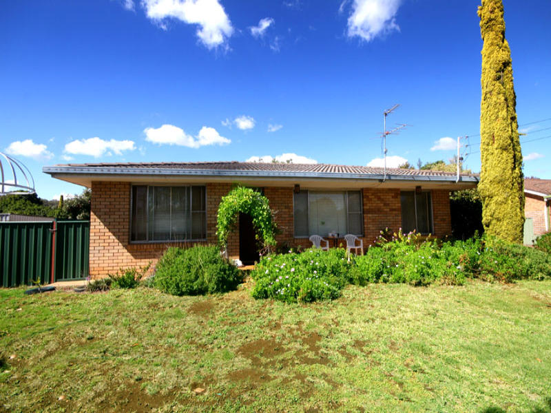 2 CUSHAN AVENUE, Gunnedah, NSW 2380