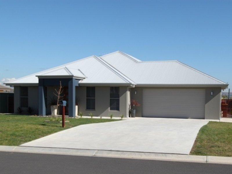 27 Blaxland Drive, Bathurst, NSW 2795