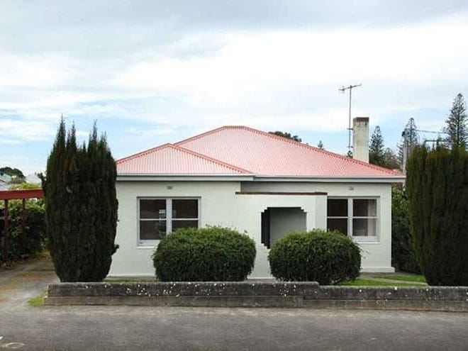 2 Oval Road, Victor Harbor, SA 5211