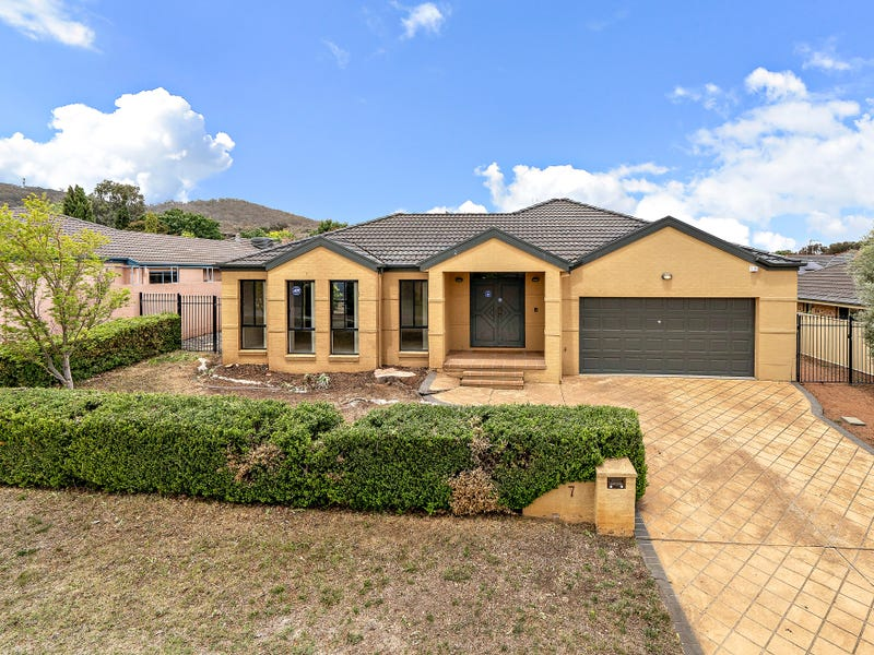 7 Freestone Crescent, Jerrabomberra, NSW 2619