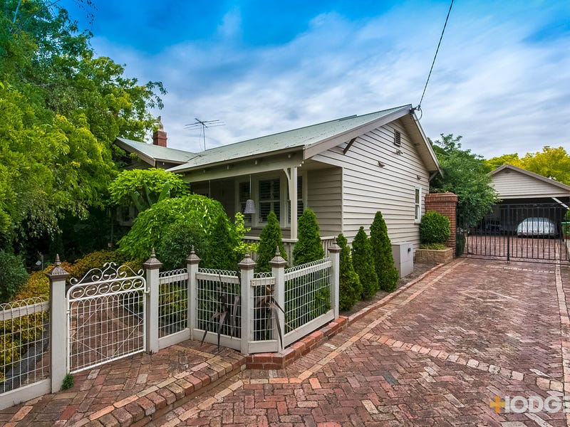 17 Shannon Avenue, Hamlyn Heights, Vic 3215