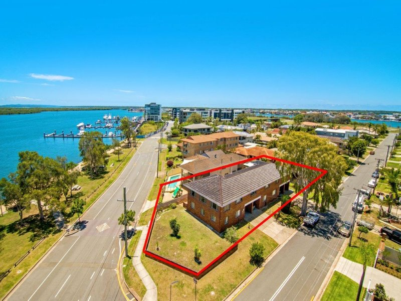 35 Scoter Avenue, Paradise Point, Qld 4216