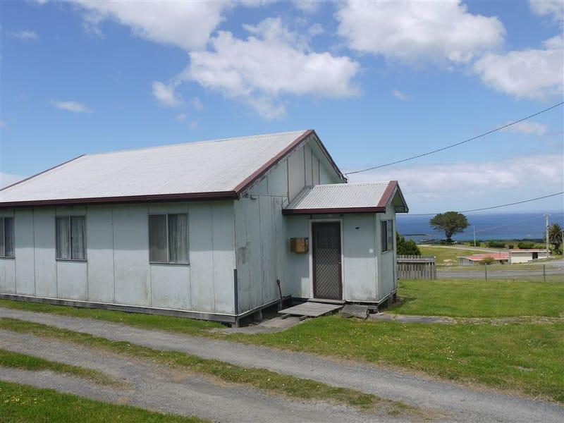 8 Waratah street, Grassy, Tas 7256