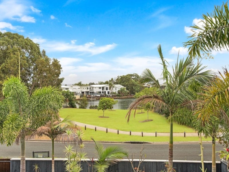 4 Sand Lane, Twin Waters, Qld 4564