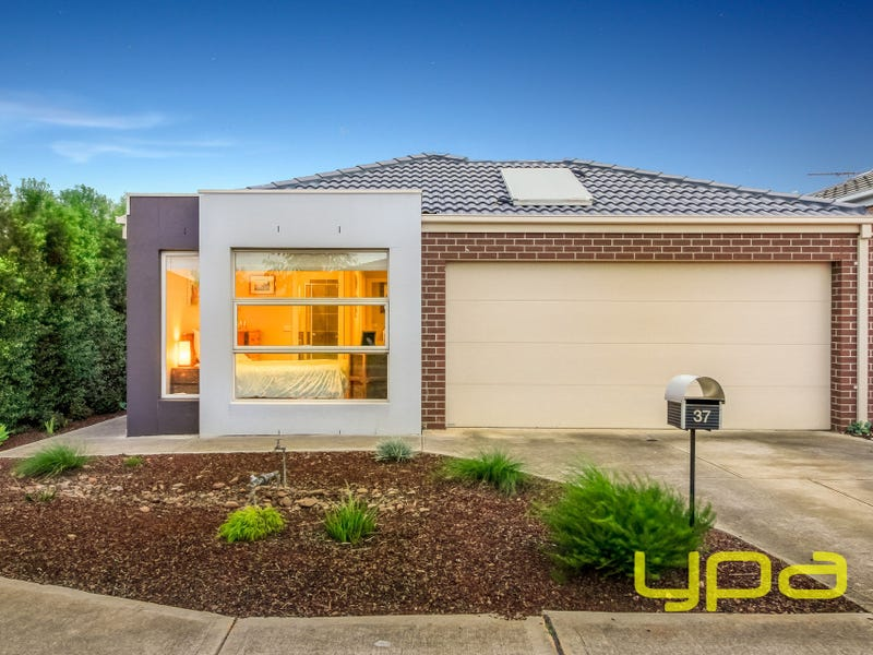 37 Peter Pan Crescent, Kurunjang, Vic 3337