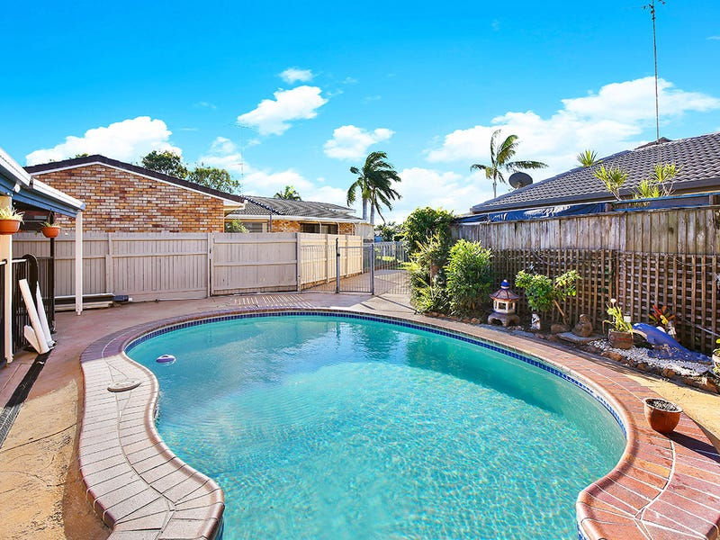 27 Carrothool Place, Mooloolaba
